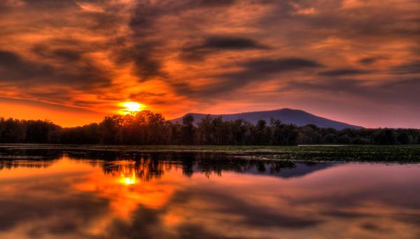 Firey Sunset by LashelleValentine