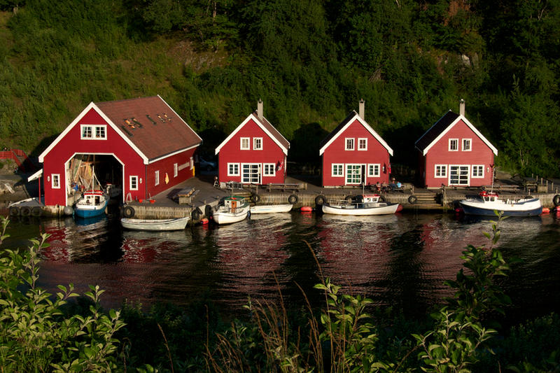 Norway Vacation Houses By *batmantoo On DeviantART