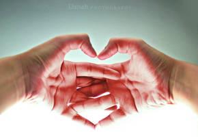 hands heart by dndnma
