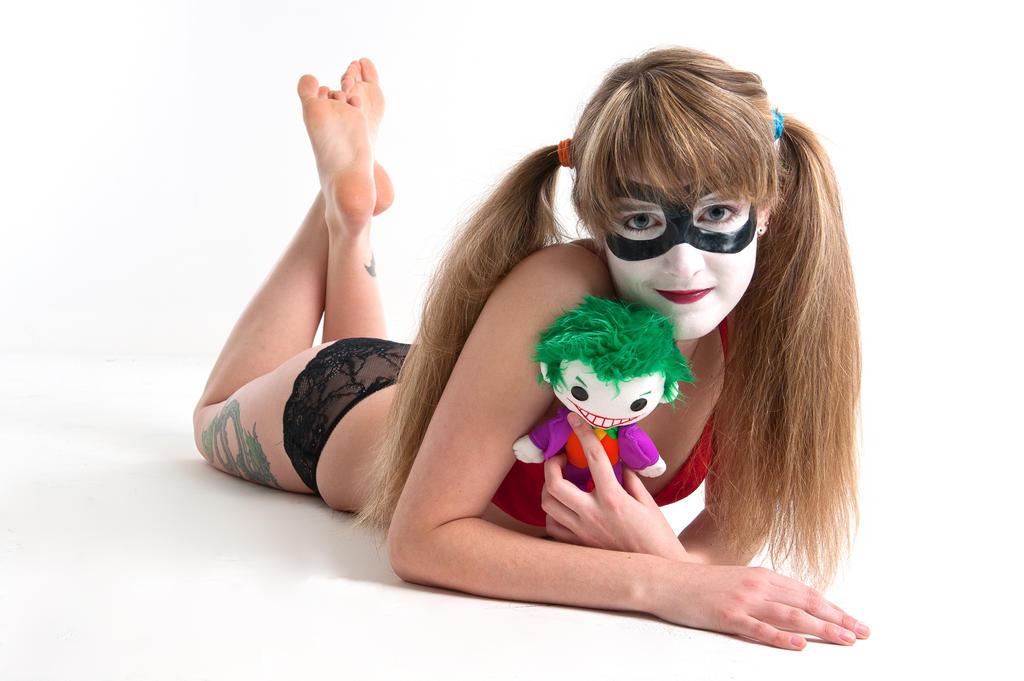 http://fc06.deviantart.net/fs71/i/2012/208/1/3/my_puddin____by_supersaz-d58ugsx.jpg