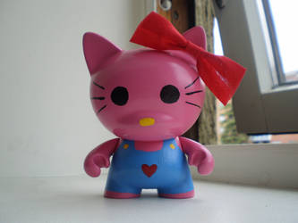 Hello Kitty Munny by Kyrremann