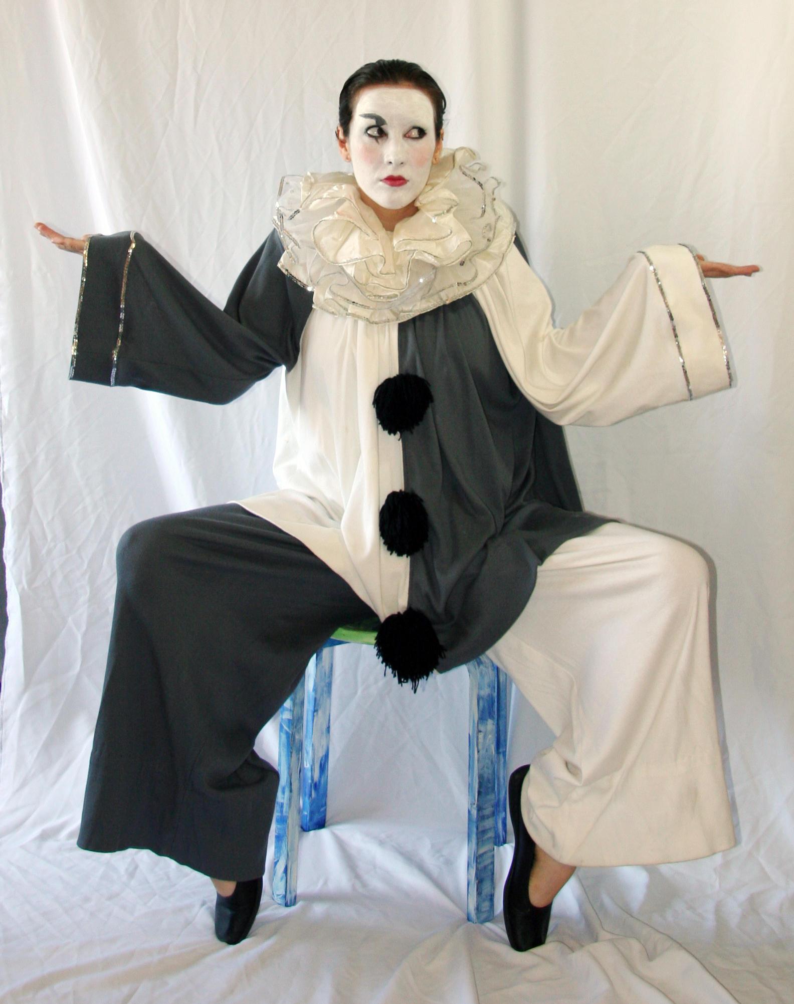 Pierrot 2 by LongStock
