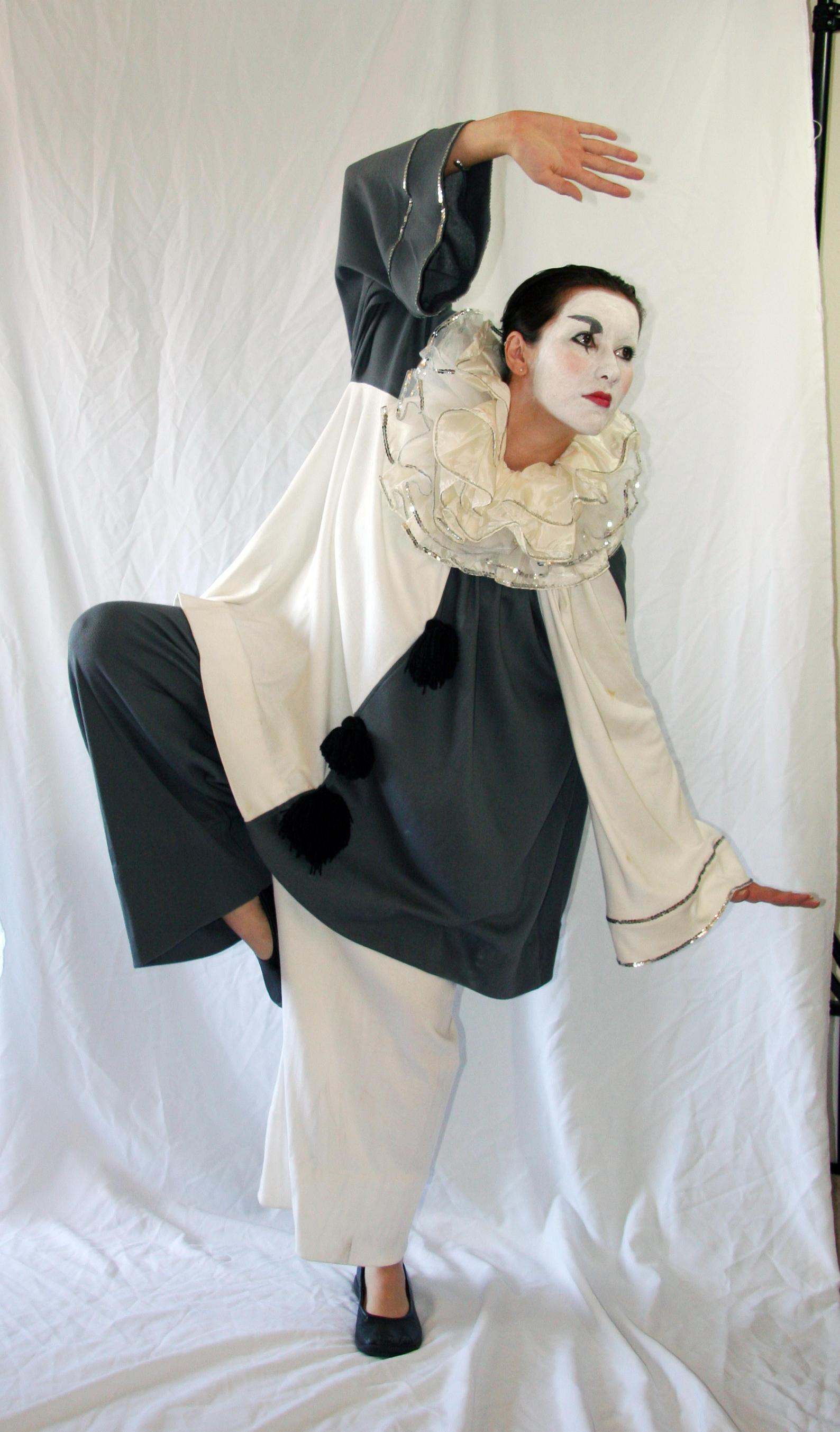 Pierrot 4 by LongStock