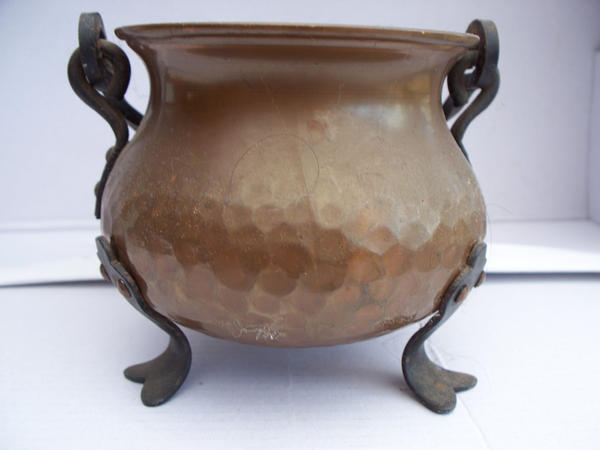 copper cauldron 3 by AzurylipfesStock
