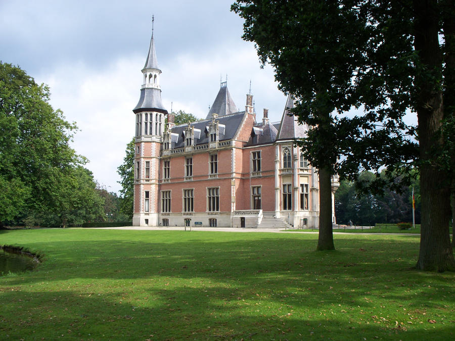 Castle Aartrijke 2 by AzurylipfesStock