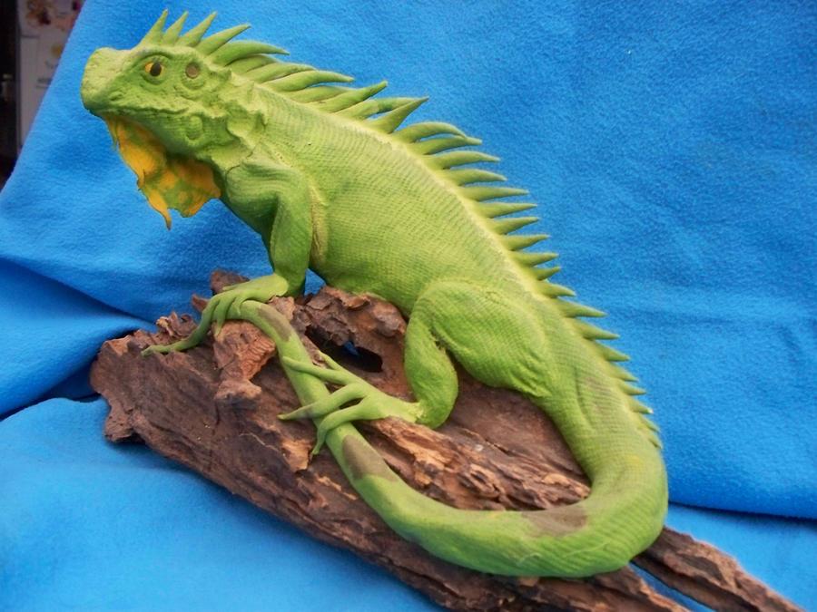Statue reptile 1 by AzurylipfesStock