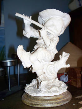 Statue little boy