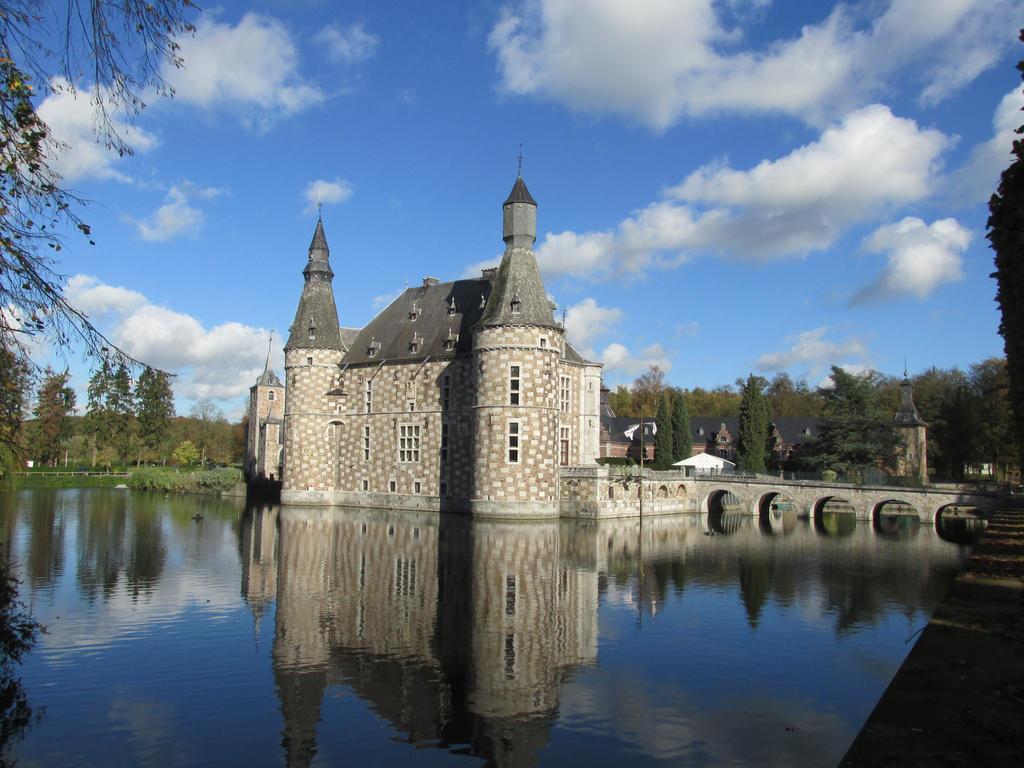 azurylipfesStock2013-castle jehay (94) by AzurylipfesStock