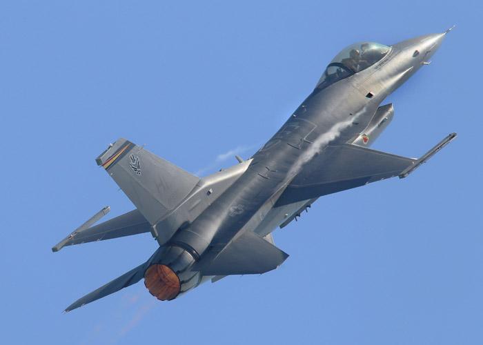 F-16 High Alpha by aero10
