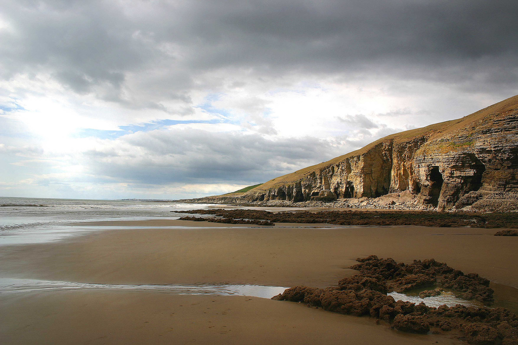 Southerndown beach by Laurenthebumblebee