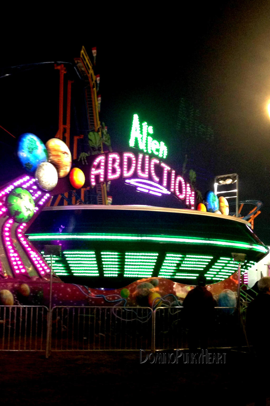 alien abduction ride - photo #20