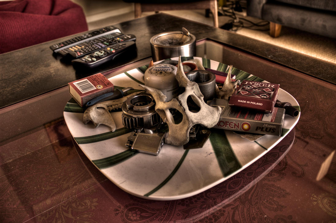 random hdr coffee table skull by danielh85 on DeviantArt