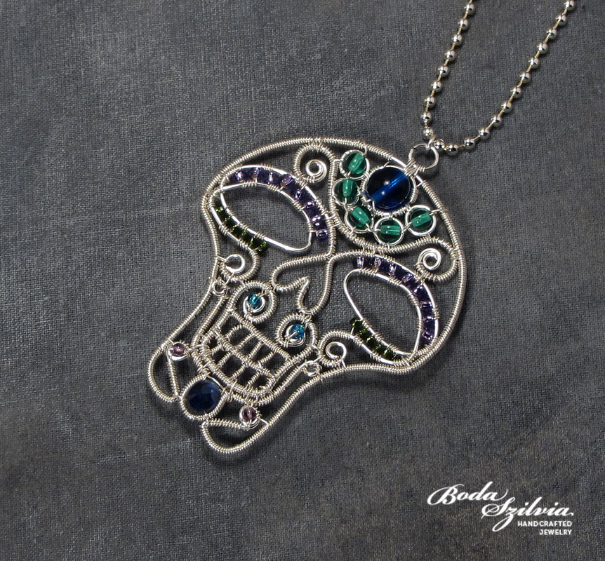 Sugar skull necklace by bodaszilvia
