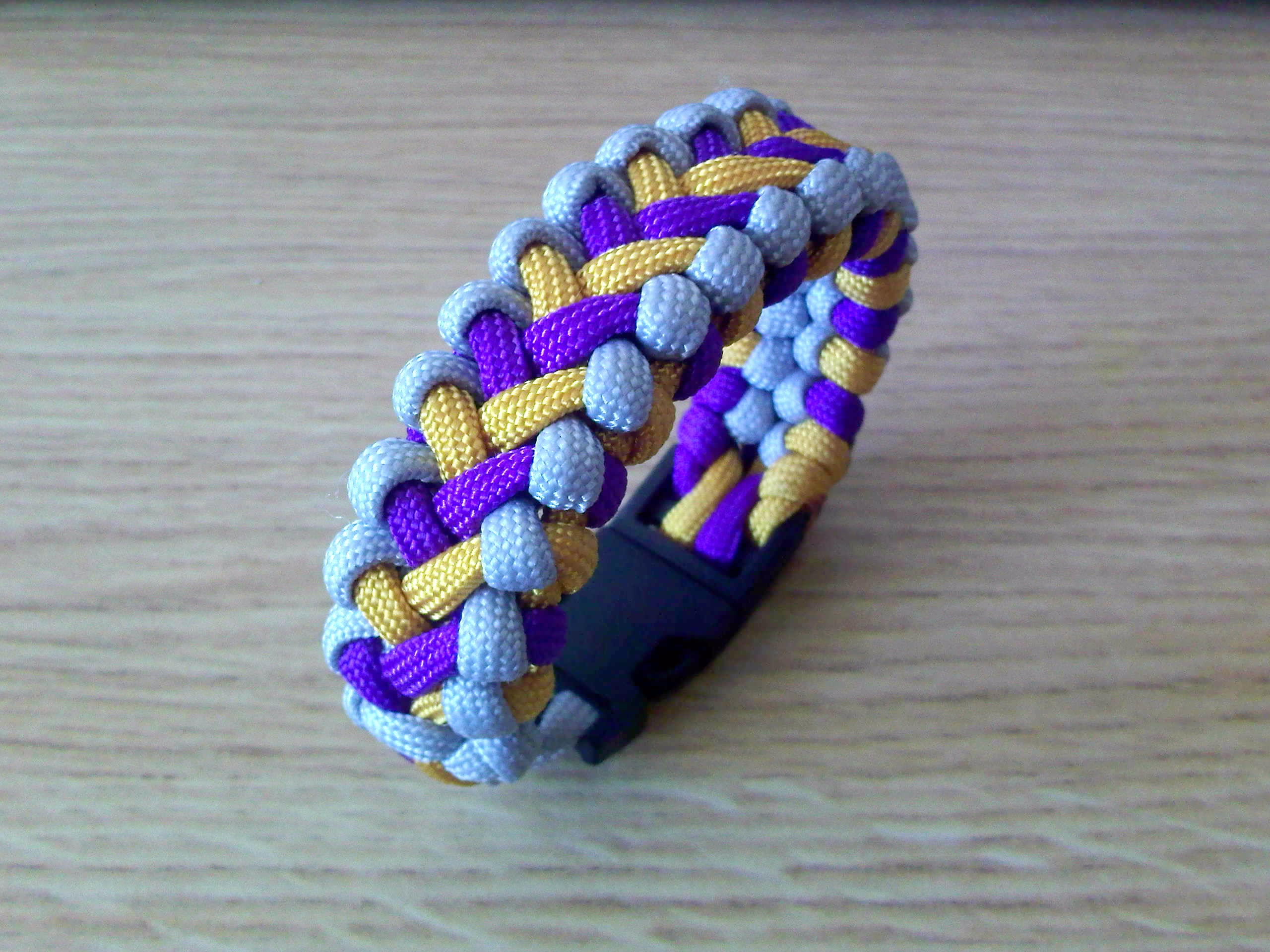 Paracord bracelets and more by theorigamiarchitect on for Paracord wallpaper