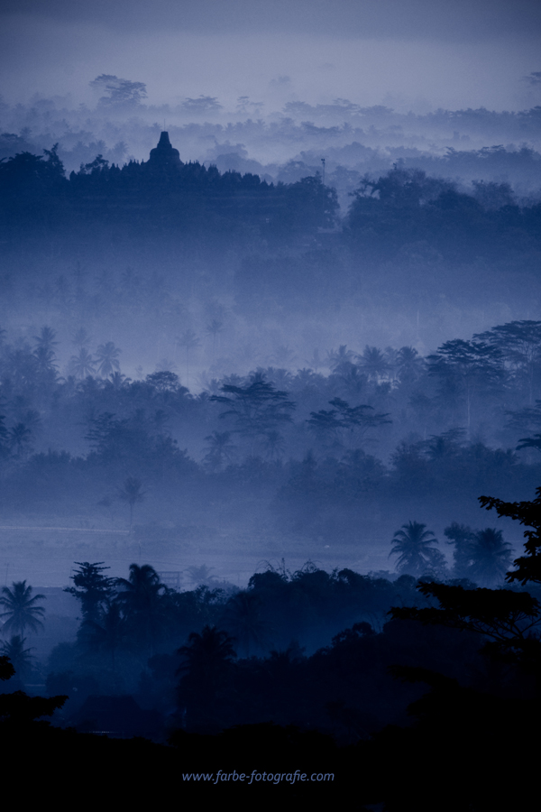 Misty Borobudur 1 by lansakit