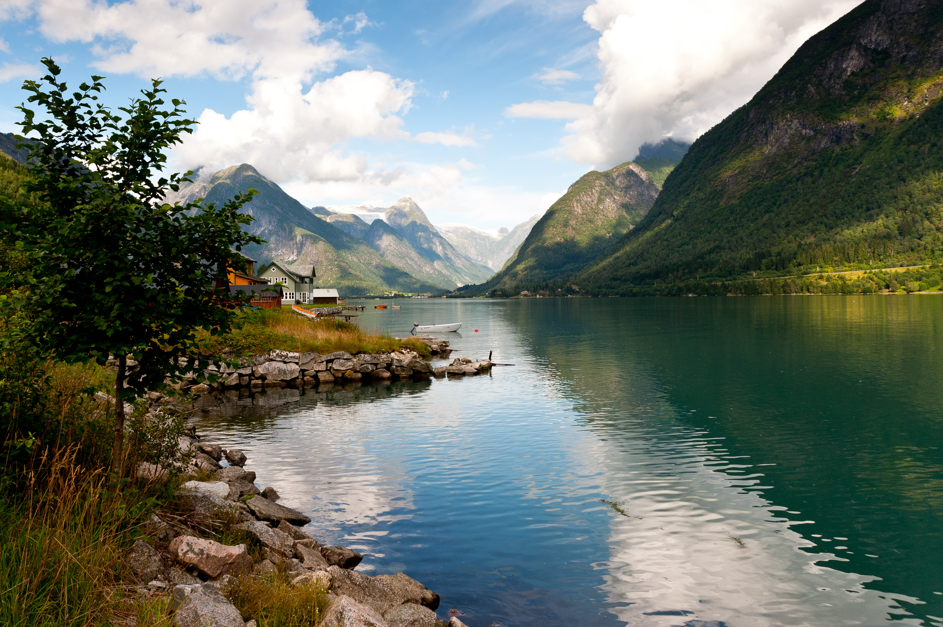 Colors That Go Well With Red Fjaerland In Norway By Dissyng22 On Deviantart