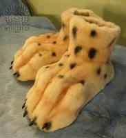 Cheetah Footpaws by Beetlecat