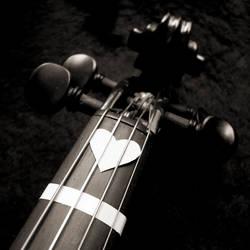 Strummin' on my Heartstrings by xaliaz