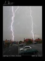 Lightning Over Hobart by eehan