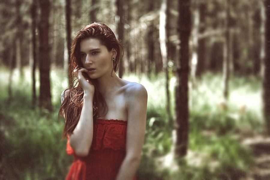 Lady in red by YaelBelledecandeur
