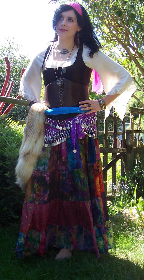 Esmeralda gypsy costume by plunderherz on deviantart esmeralda gypsy costume by plunderherz solutioingenieria Images