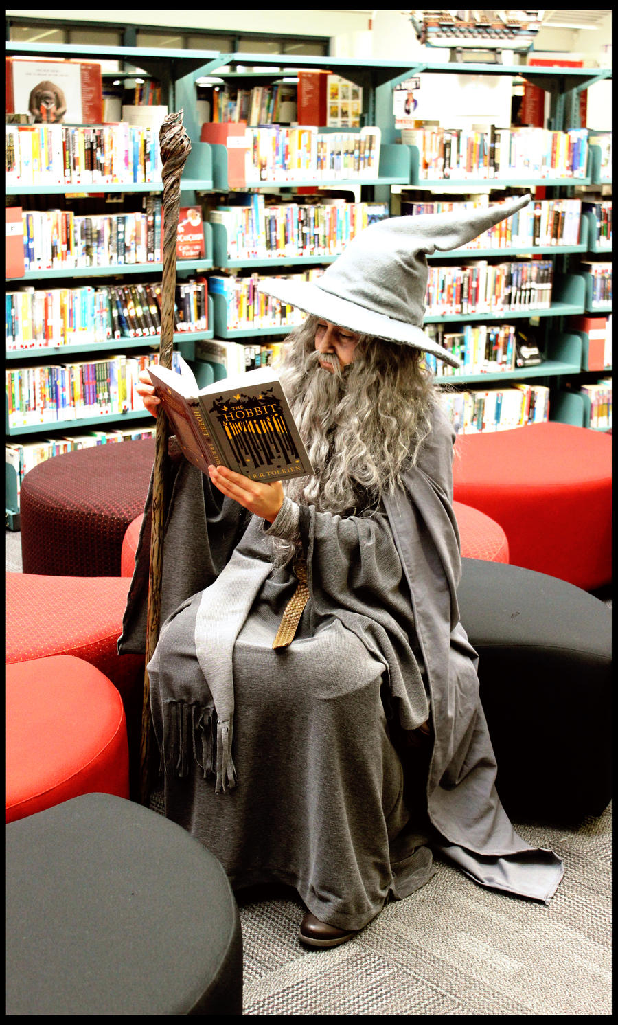 The Hobbit: Gandalf and a Good Book by Berpi