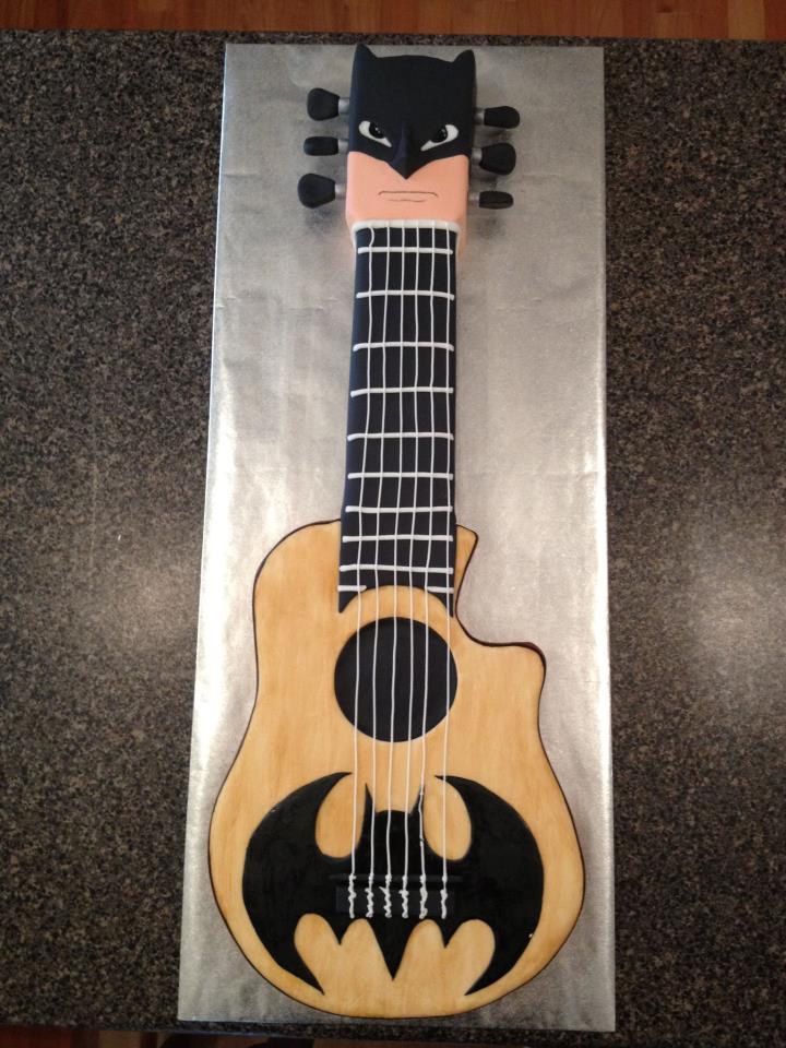 Batman Guitar Cake by AsheryW