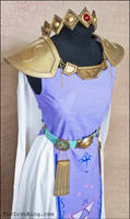 Princess Hilda cosplay outfit with crown