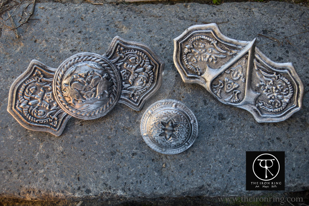 Assassin's Creed Revelations Pilgrimage Buckles by TheIronRing