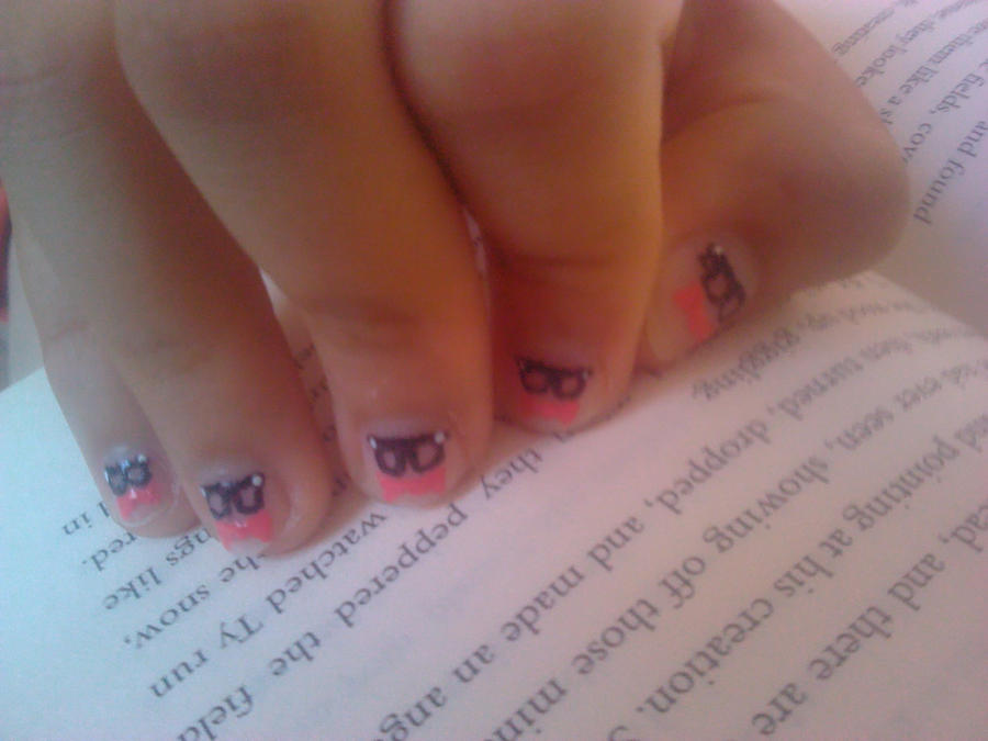 Geeky Glasses and Bow Tie Nail Design by Experimently-Bernsie