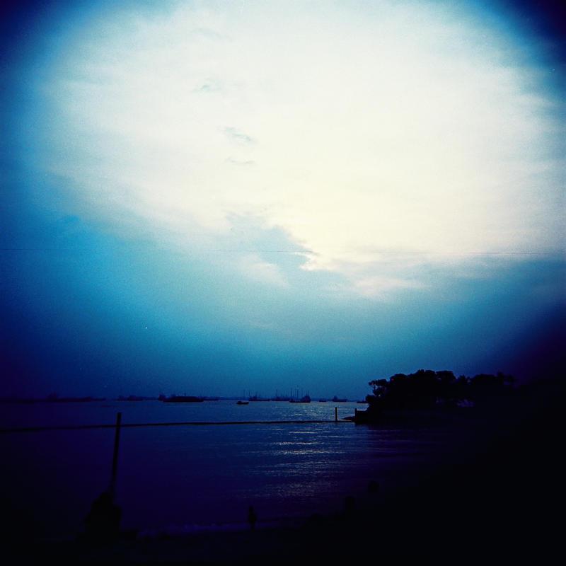 Shore of blue by lomokotiv