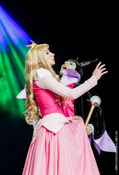 Sleeping Beauty vs Maleficent