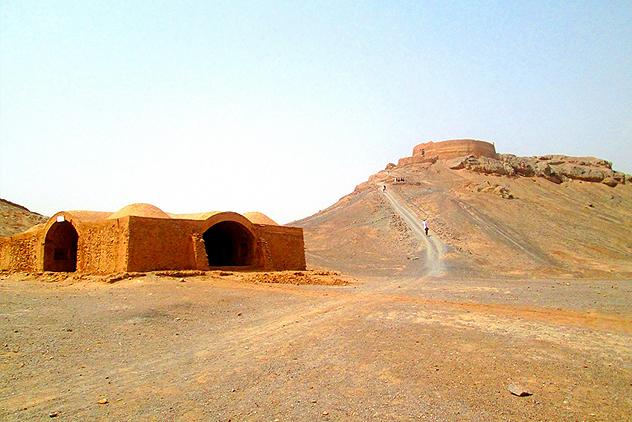 Crypt-dakhme