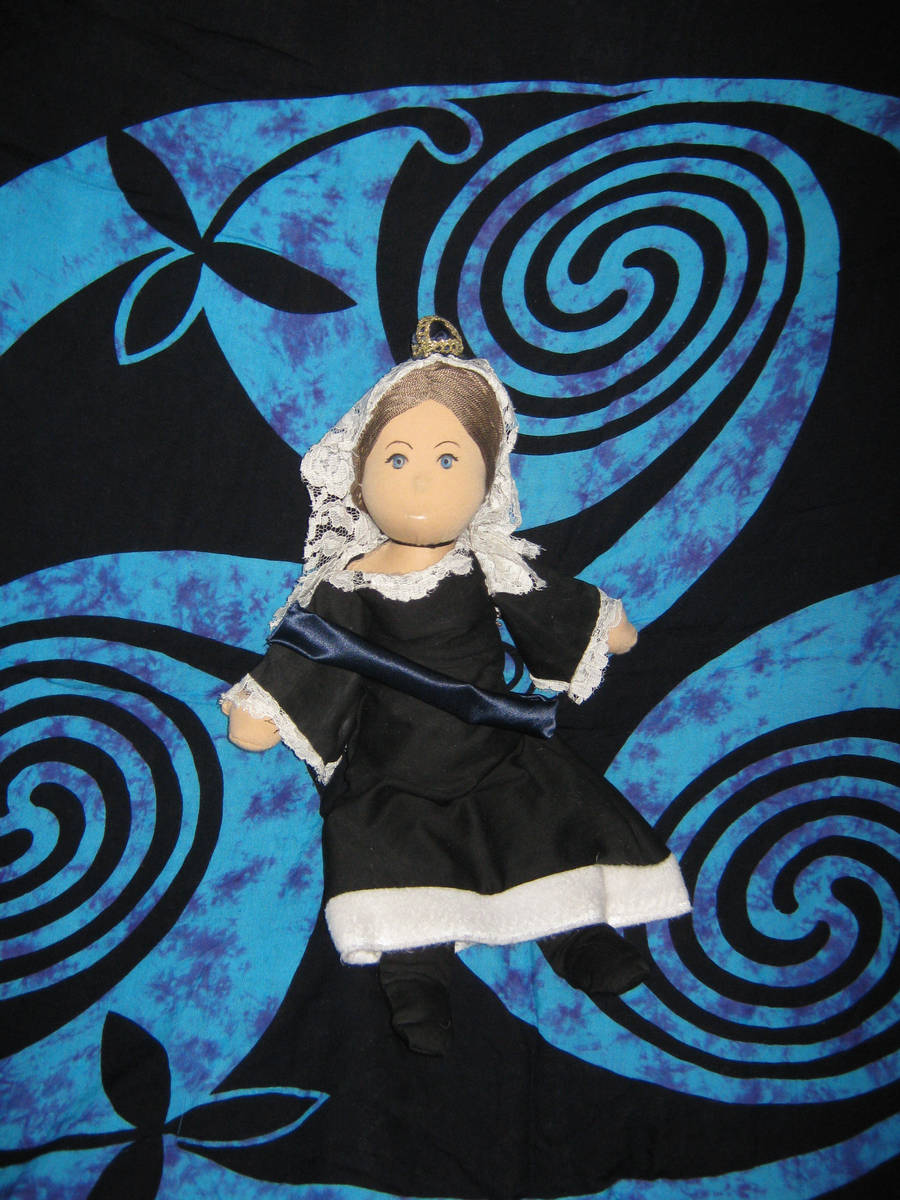 Queen Victoria Plushie by camir