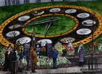 Kiev, Heavenly Hundred Heroes Avenue by Vokabre