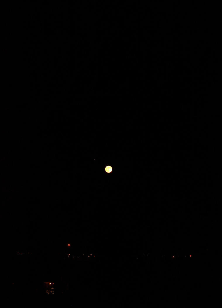 Moon by buckoe1
