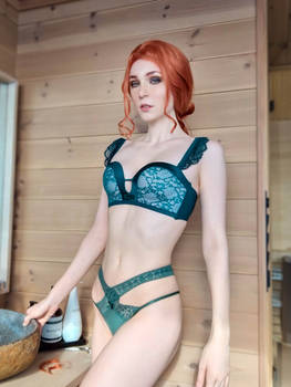 Triss Lingerie Cosplay