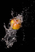 Water splashing on apple 2 by demolitiondan