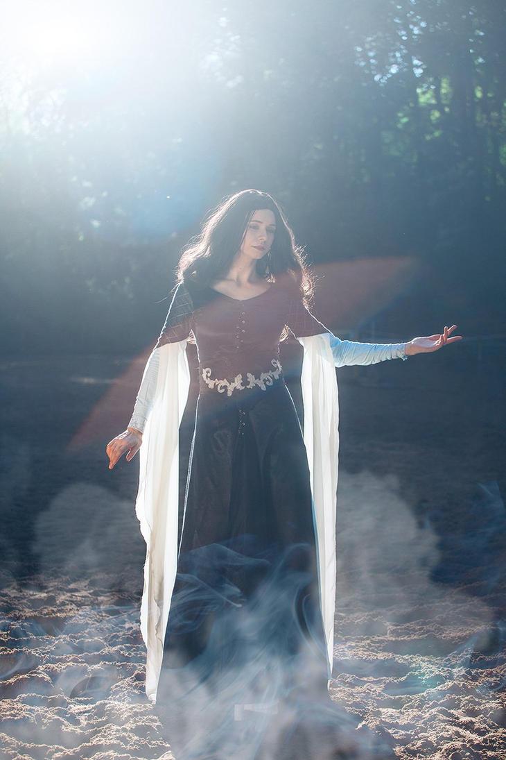 Lyanna Star.  Reflection of queen. by Fealin-Meril