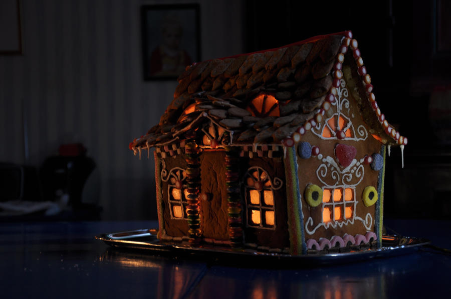 Gingerbread house by SofiaAR