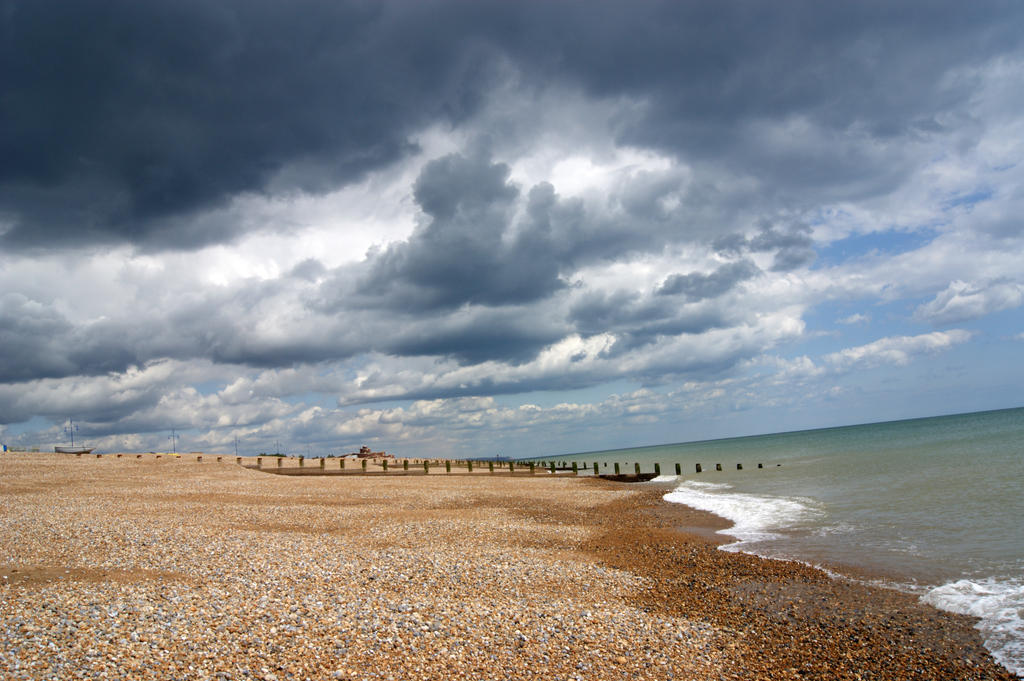 English summer - Eastbourne by Mefistofelewicz