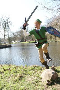 The Legend of Zelda - Link Cosplay - Jump attack