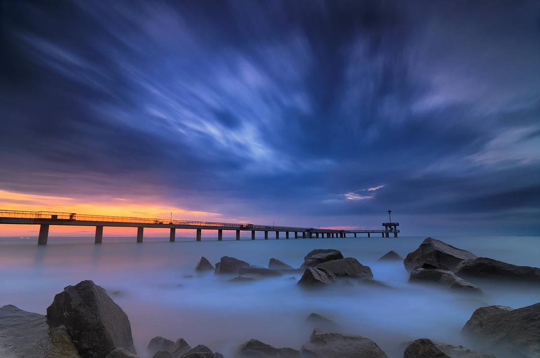 Black sea- blue skies by ibasimaikataimeto