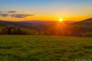 Sunset valley by Sigfodr