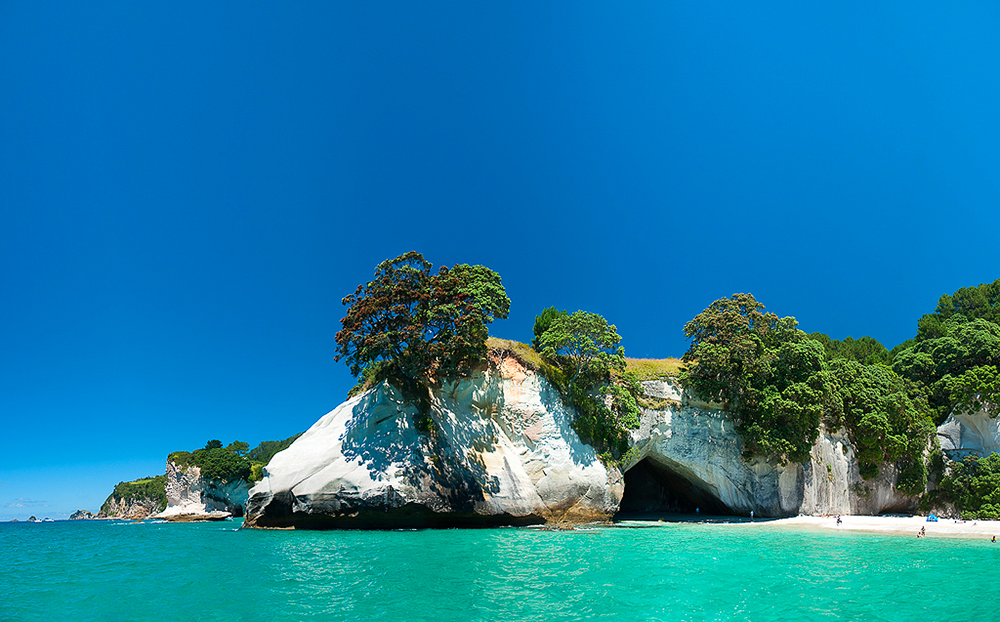 Boat Trip - Cathedral Cove by mark-flammable