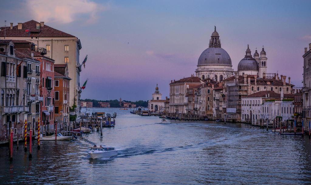 Venice by Baldwind