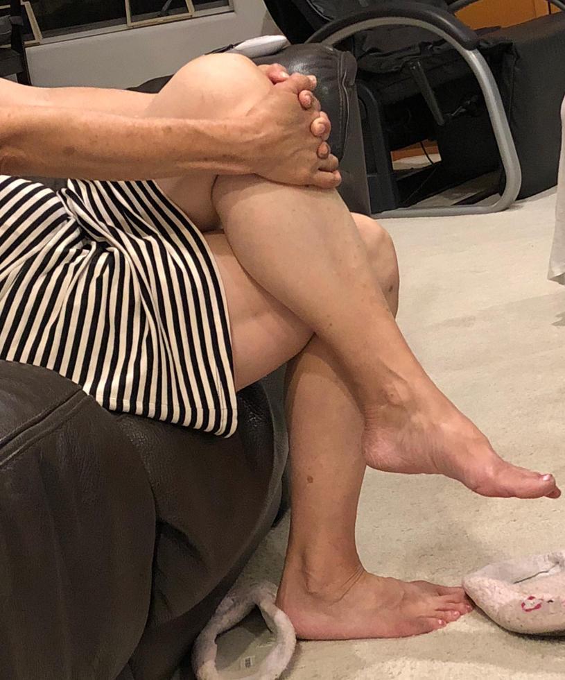 Legs so sexy by naghashi