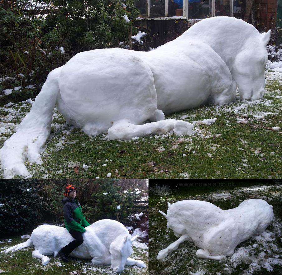 Snow Stallion by Noweia