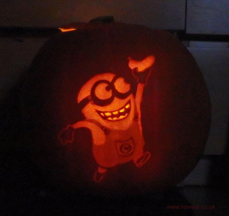 Minion Pumpkin by Noweia