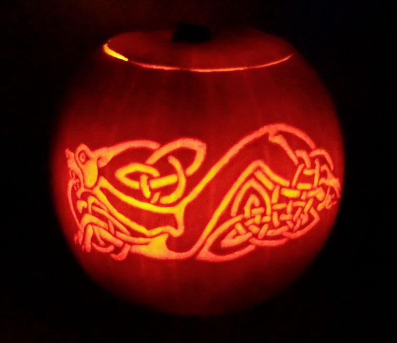 Celtic Dog Pumpkin by Noweia